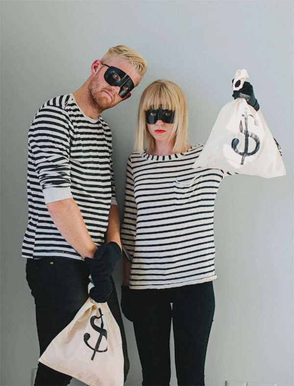 Are you in need of  Last Minute DIY Adult Halloween Costumes? These Halloween Costumes can be made in no time at all.
