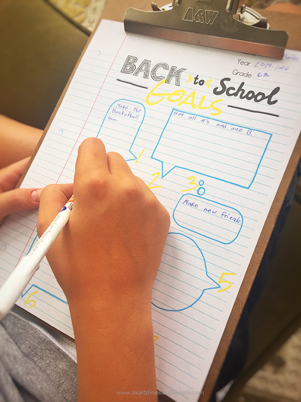 Don't let your kids go back to school without setting goals for the school year. Use this Back-to-School Goals Printable for Kids to achieve their dreams!