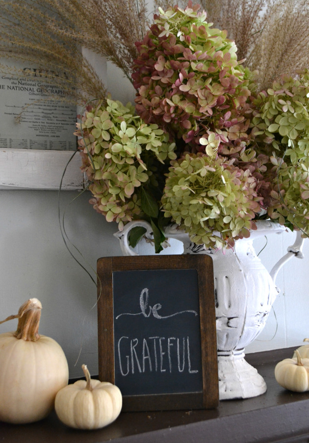 Diy fall mantel ideas free printable included for Aimee weaver blogspot