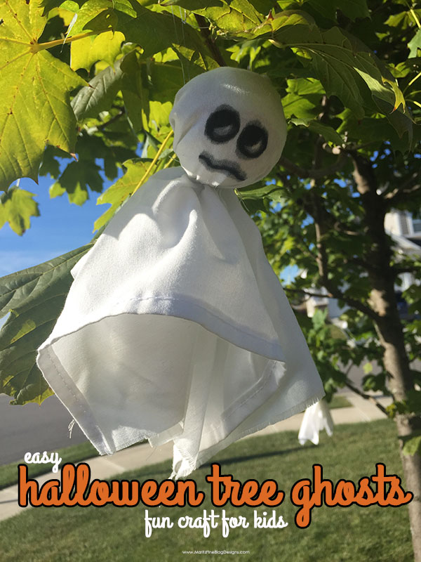 Do the kids want to help decorate for Halloween? They can easily help create Halloween Tree Ghosts, and you probably already have all the supplies you need!