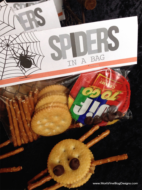 Want to make lunch fun for your kids this October? Create a few of these super easy Halloween Lunchbox Treats to stick in their lunches!