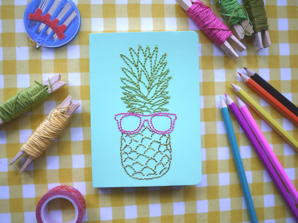 10 Creative amp Easy Ways To Decorate School Notebooks