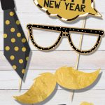 Grab your family, friends and these free printable New Year's Eve Photo Booth Props to create the ultimate photo booth this holiday season.