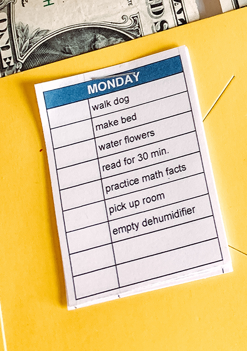 Tired of nagging your kids to do their chores? This simple, easy-to-make Instant Gratification Chore Chart saved my sanity & made my kids happy too!